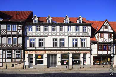 Quedlinburg: Bachstübel. Tanzcaf� und Restaurant zum Mathildenbrunnen. (Bild 100-5709)