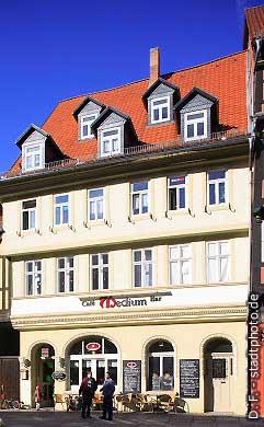 "Caf�-Bar ""Medium"" Quedlinburg, Markt . (Bild 100-5722)"