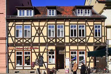 Bäckerei und Caf� M. Gelbke Quedlinburg, Markt 11. Bäckerei und Caf� M. Gelbke am Markt. (Bild 100-5727)