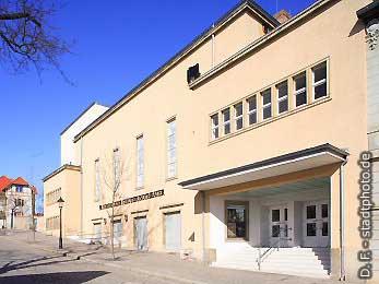 Neue Bühne undGroßes Haus Quedlinburg, Marschlinger Hof 17. Die Neue Bühne und das Große Haus gehören zum Nordharzer Städtebundtheater. (Bild 100-5750)