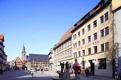 Quedlinburg: Markt - Nord- und Ostseite. (Bild 100-5818)