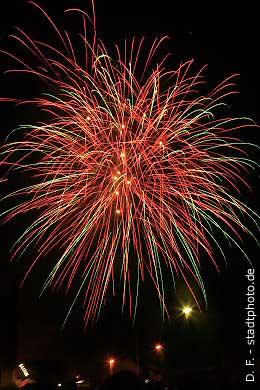 Quedlinburg: Feuerwerk über dem Bahnhof. (Bild 100-5882)