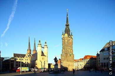 Halle / Saale: Markt. Marktkirche, Händel-Denkmal und Roter Turm. (Bild 102-3289)