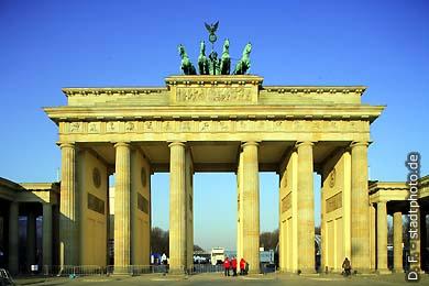 Berlin: Brandenburger Tor. (Bild 102-4195)