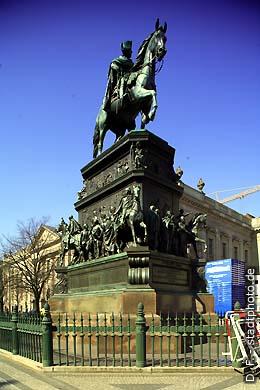 Reiterdenkmal Friedrich des Großen Berlin, Unter den Linden. (Bild 102-4289)