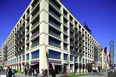 Radisson BLU Hotel Berlin, Karl-LIebknecht-Straße 3. (Bild 102-4324)