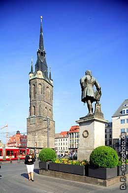 Roter Turm und Händel-Denkmal Halle / Saale, Markt. (Bild 102-6438)