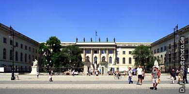 Humboldt-Universität Berlin, Unter den Linden. Hauptgebäude der Humboldt-Universität. (Bild 103-2815)