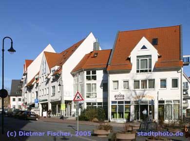 Moderne Einzelhandelsgeschäfte und Dienstleister Taucha, Leipziger Straße. (Bild taucha-005)